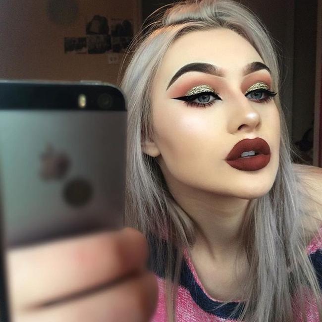 Megan Feather, đến từ Anh quốc là cái tên  hot  nhất cộng đồng mạng Instagram nhờ đôi môi dày quyến rũ.