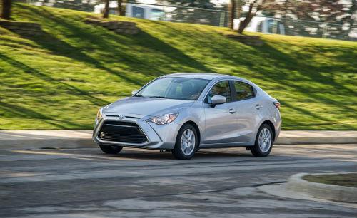 Đánh giá 2017 Toyota Yaris iA giá 383 triệu đồng - 1