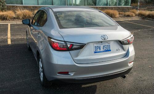 Đánh giá 2017 Toyota Yaris iA giá 383 triệu đồng - 2
