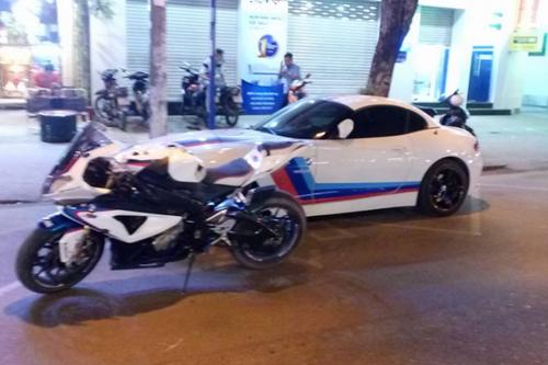 Siêu mô tô BMW đọ dáng bên 3 siêu xe ôtô tiền tỷ - 7