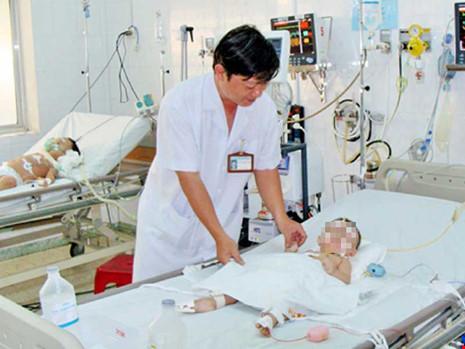 Nhiều bệnh nhi dưới 5 tuổi mắc bệnh hiếm - 1