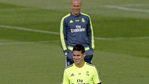 """Chuyển nhượng Real: Hốt cả """"Messi mới"""" và """"Scholes mới"""" - 2"""