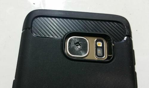 Samsung Galaxy S7 liên tiếp vỡ kính camera sau - 1