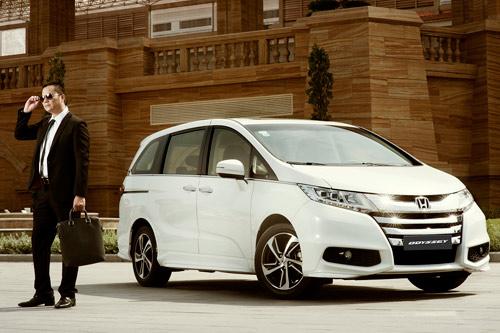 Honda Việt Nam công bố giá mới hấp dẫn cho Accord từ tháng 1/2017 - 3