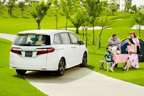 Honda Việt Nam công bố giá mới hấp dẫn cho Accord từ tháng 1/2017 - 2