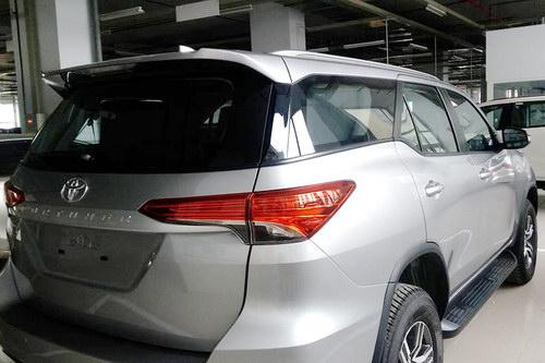 Toyota Fortuner 2017 sắp ra mắt Việt Nam có bản máy dầu - 4