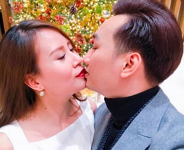 MC Thành Trung và vợ sắp cưới kỷ niệm 3 năm yêu lãng mạn - 1