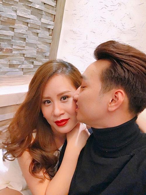 MC Thành Trung và vợ sắp cưới kỷ niệm 3 năm yêu lãng mạn - 4