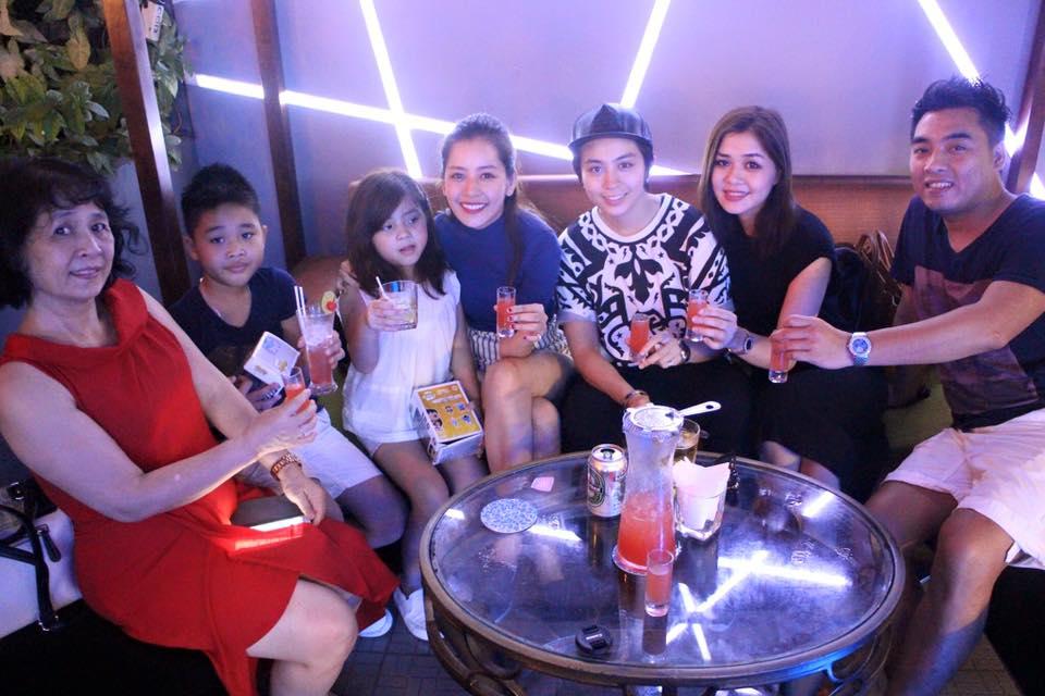 Chị gái 2 con của Chi Pu quá trẻ đẹp khiến dân mạng phát sốt - 17