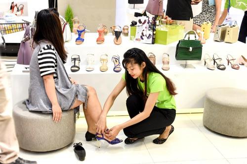 """""""Sắm giày đón Tết – Trúng Iphone 7"""" cùng Mirabella - 11"""
