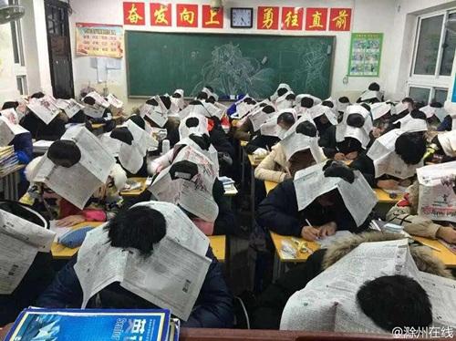 """Chiêu chống gian lận thi cử """"chỉ có ở Trung Quốc"""" - 2"""