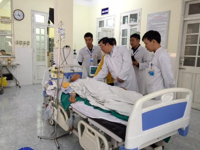 """Bỏ quên kéo trong bụng bệnh nhân: """"Bệnh viện phải đền bù"""" - 1"""