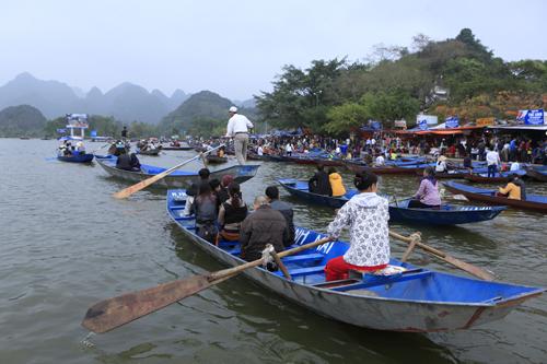 """Lễ hội chùa Hương: """"Sẽ không còn cảnh vòi tiền khách"""" - 1"""