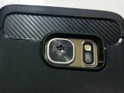 Samsung Galaxy S7 liên tiếp vỡ kính camera sau