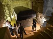 Thế giới - 24 quan tài đen nặng trăm tấn gần kim tự tháp Ai Cập