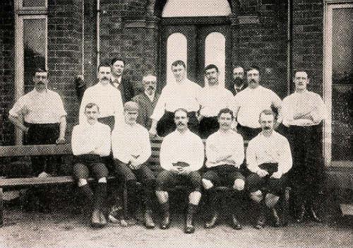 Thắng như chẻ tre, Chelsea thách thức kì tích 130 năm - 2