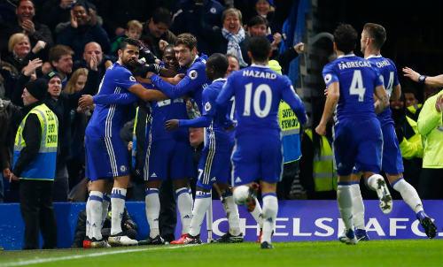 Thắng như chẻ tre, Chelsea thách thức kì tích 130 năm - 1