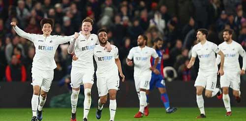 Crystal Palace – Swansea: Phần thưởng phút 88 - 1