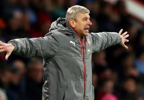 """Arsenal: Người hùng Giroud bị """"chửi"""", Wenger phàn nàn - 3"""