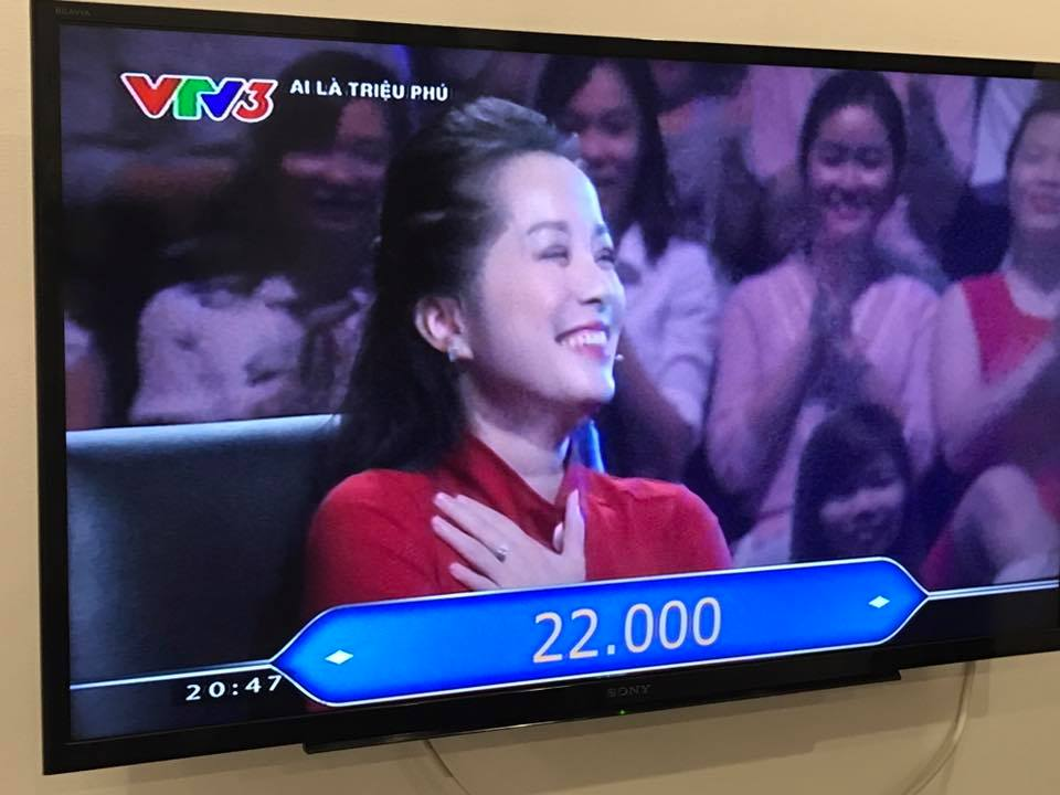 """""""Vàng Anh"""" Minh Hương thành tâm điểm Ai là triệu phú - 1"""