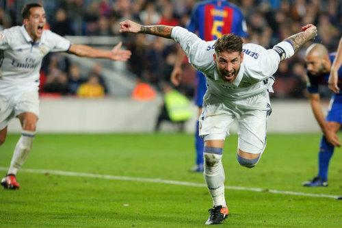 Giroud: Phiên bản siêu anh hùng Ramos ở Arsenal - 2