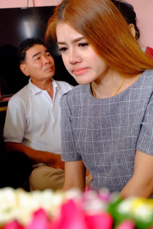 Đám cưới không chú rể, cô gái trẻ lặng người đau đớn - 2