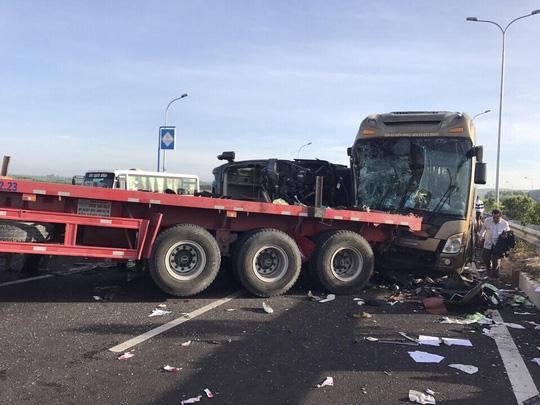 Hình ảnh thảm khốc trên cao tốc TPHCM - Long Thành - Dầu Giây - 1