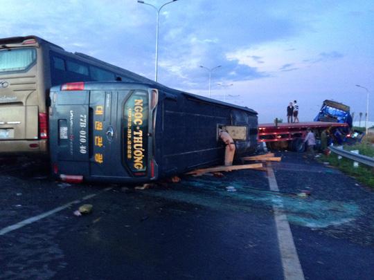 Hình ảnh thảm khốc trên cao tốc TPHCM - Long Thành - Dầu Giây - 2