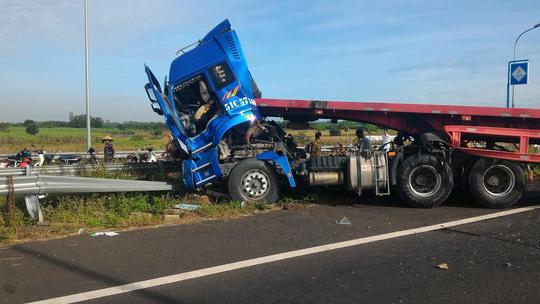 Hình ảnh thảm khốc trên cao tốc TPHCM - Long Thành - Dầu Giây - 5