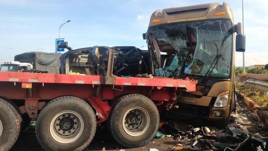 Hình ảnh thảm khốc trên cao tốc TPHCM - Long Thành - Dầu Giây - 8