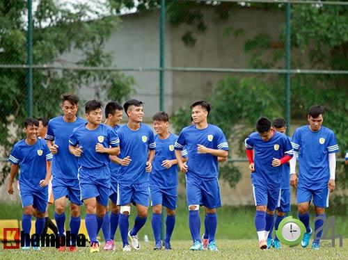 """Phó Chủ tịch Công Vinh & CLB TP.HCM: """"Ngựa ô"""" V-League - 2"""