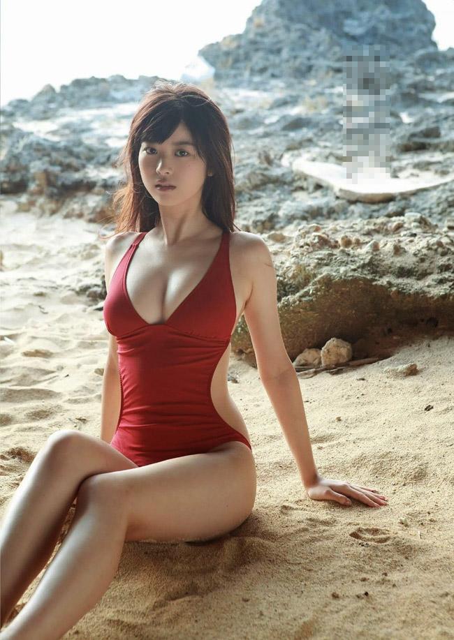 Fumika Baba là một nữ diễn viên kiêm người mẫu trẻ tuổi tại Nhật Bản, gắn liền tên tuổi với dòng phim siêu nhân.