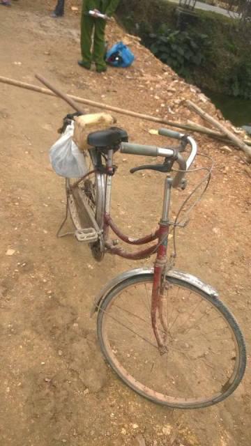 Người phụ nữ chết bất thường bên chiếc xe đạp cũ - 1