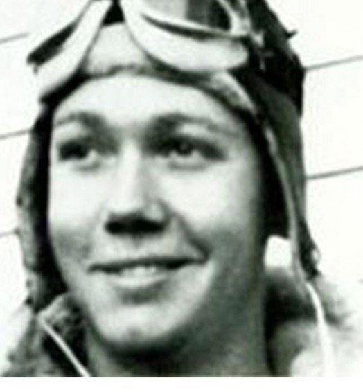 Phi công Mỹ nhảy khỏi máy bay, bắn hạ chiến đấu cơ Nhật - 2