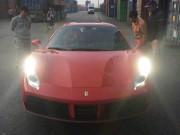 """Đầu năm, Ferrari 488 Spider đỏ """"xông đất"""" Việt Nam"""