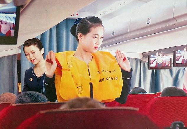 Triều Tiên tung bộ ảnh tiếp viên hàng không xinh như mộng - 2