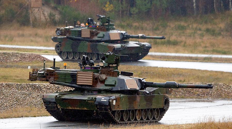 Mỹ đưa hàng loạt xe tăng tới châu Âu, gần biên giới Nga - 1