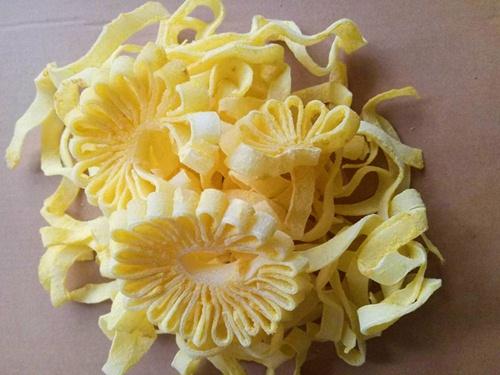 Mứt dừa hình hoa cúc khiến chị em phát cuồng dịp Tết - 8