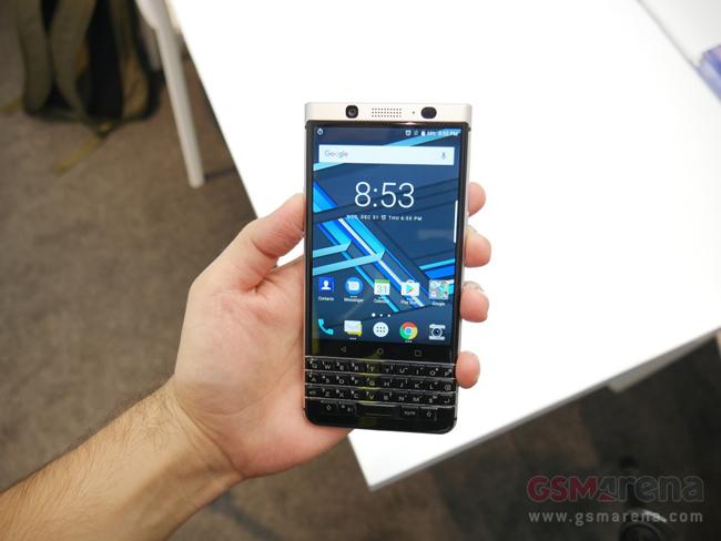 BlackBerry Mercury vừa được nhà sản xuất Canada và công ty TCL của Trung Quốc giới thiệu tại CES 2017.