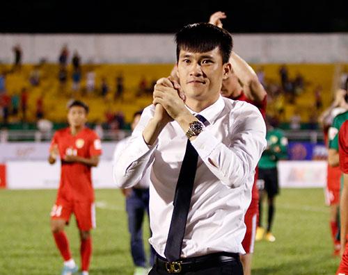 Ca sỹ Thủy Tiên phấn khích, sếp Công Vinh ghi điểm với fan - 6