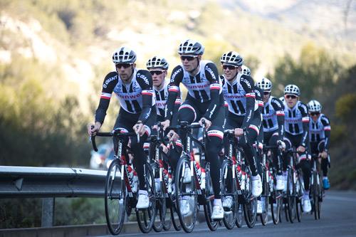 Sunweb trở thành nhà tài trợ chính thức của đội đua xe đạp GIANT - 2