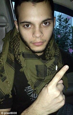 Video lính dự bị rút súng bắn chết 5 người ở sân bay Mỹ - 2