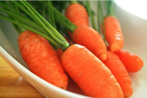 Kết quả hình ảnh cho Cà rốt sắp làm mũ bảo hiểm