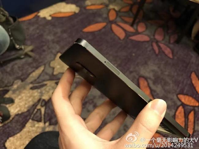 Những hình ảnh thực tế của chiếc Nokia 6 vừa xuất hiện tại Trung Quốc, hứa hẹn một sự trở lại mạnh mẽ trong phân khúc smartphone.