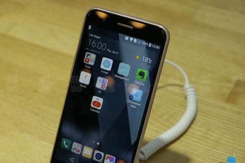 Trên tay LG K10 cấu hình tầm trung - 2