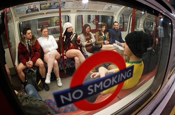Kỳ khôi nam thanh nữ tú thản nhiên không mặc quần ở Anh - 8
