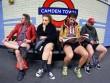 Kỳ khôi nam thanh nữ tú thản nhiên không mặc quần ở Anh