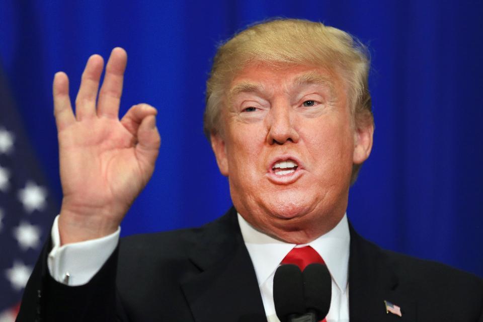 Tình báo Mỹ: Nga có tin xấu về Trump nhưng không tung ra - 1