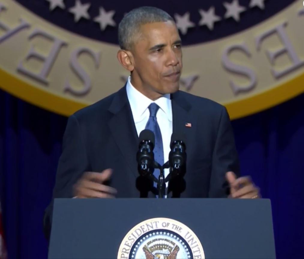 Obama rớm lệ khi nhắc vợ con trong bài phát biểu cuối cùng - 1