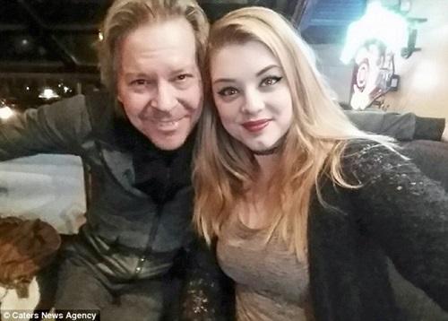 Cô gái kết hôn với người đàn ông lớn hơn bố 20 tuổi - 1